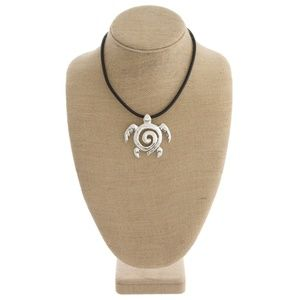 NWT***BOUTIQUE***  TURTLE NECKLACE/EARRING SET